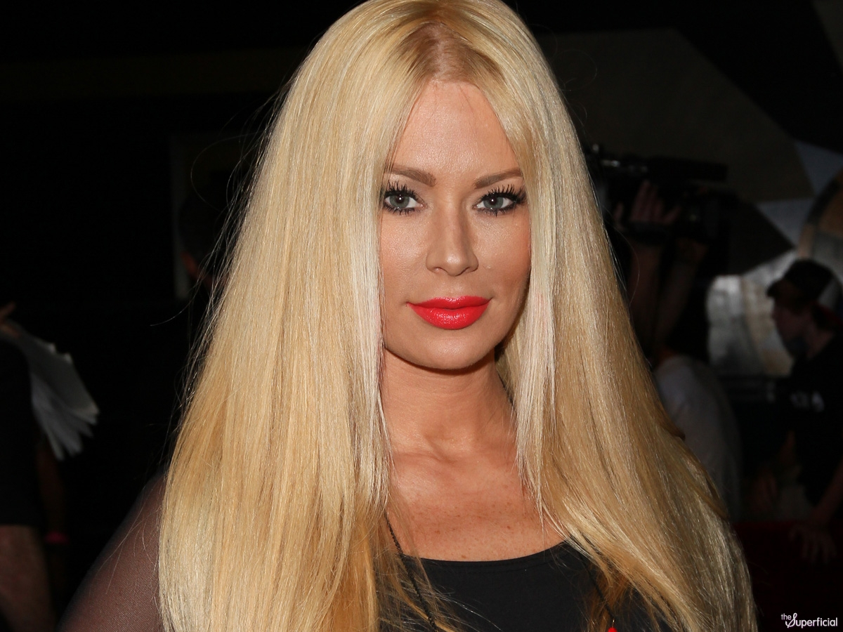Romney snatches coveted Jenna Jameson endorsement