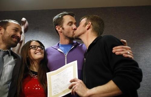 Eric Holder declares same sex marriage legal in Utah