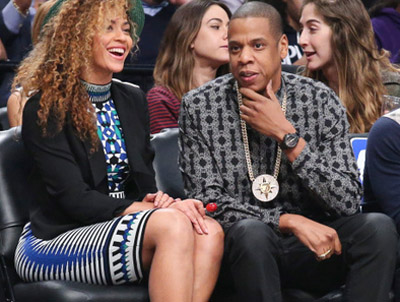 Hollywood Poseur 'Jay Z' and His White-Men-are-Devils Medallion
