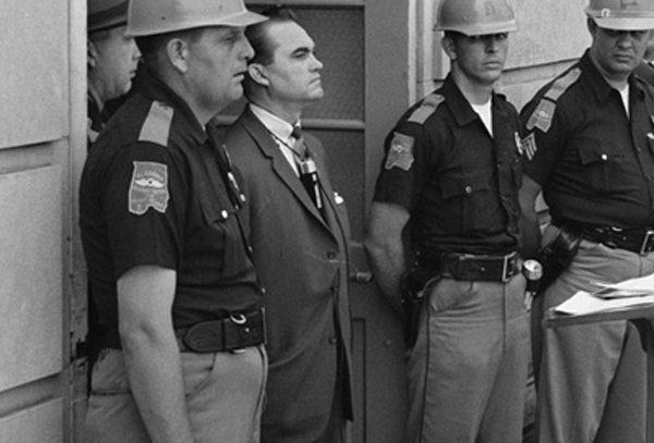 Politico Illustrates Story on GOP Racism With Photo of Democrat George Wallace
