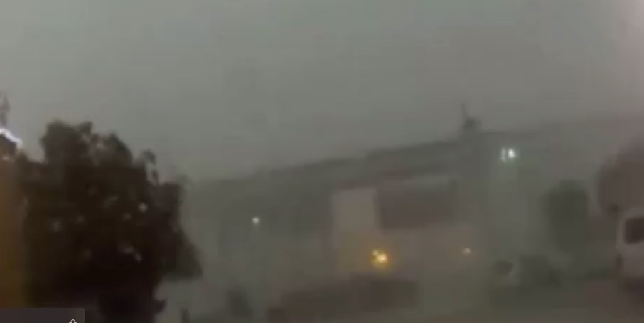 Hurricane Force Winds In New Orleans Blow Train Off Track (Video)