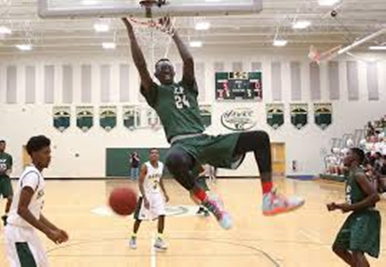 15 Years Old, 7'3″ – Where Can We Buy Stock in This Kid??????