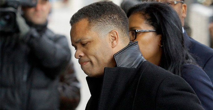 The felon Jesse Jackson Jr. is back in his home.