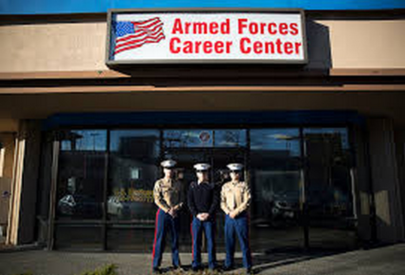 Armed Citizens Protecting Military Recruiting Offices Across the Country