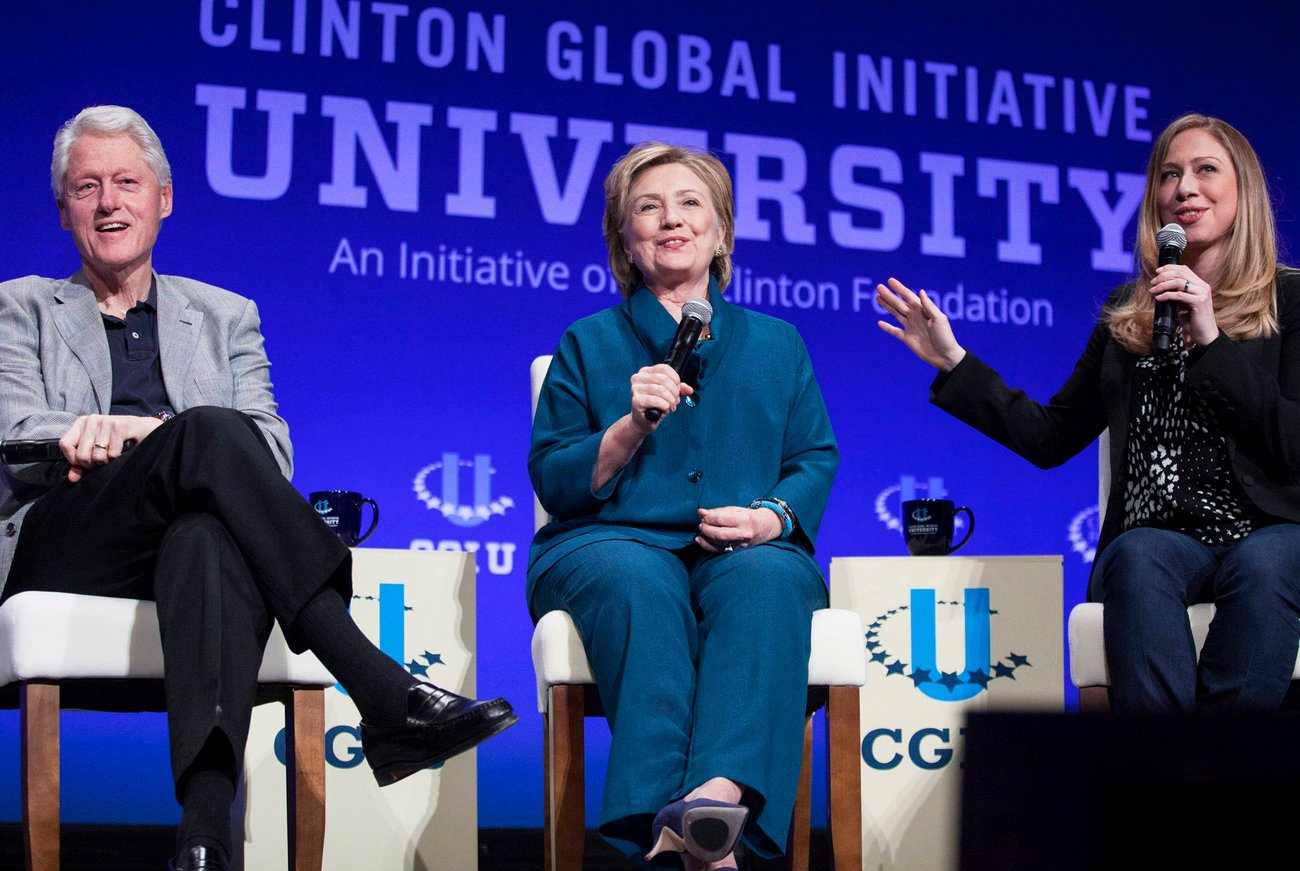 SCAM ALERT: Half of Bill and Hillary Clinton's 'Charitable Giving' Was Donated to Themselves!